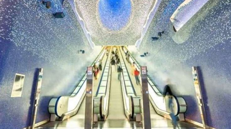 """""""Metrolapse"""", l'affascinante viaggio in time lapse nelle stazioni di Napoli"""