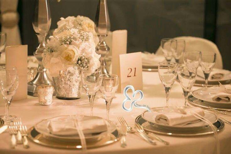 Atmosfere romantiche di antichi sapori per l'allestimento dei tavoli nuziali