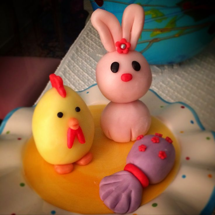 Fondant decorations for Easter: bunny, little Chick and chocolate egg
