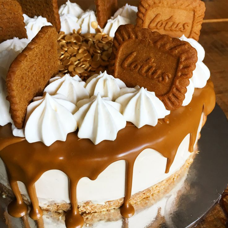 A silky No-Bake Lotus Biscoff Cheesecake with a hidden creamy white chocolate cheesecake centre, decorated with a melted cookie butter drip, topped with whipped cream and lotus cookies. Last week, …