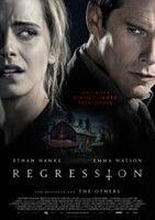 """Im düsteren Thriller """"Regression"""" entführen uns Emma Watson & Ethan Hawke ein paar Jahrzehnte zurück in eine Zeit, wo Sekten in Amerika noch eine ziemlich gefährliche Rolle spielten. Die authentischen Looks der Starbesetzung des Films findest du hier:"""