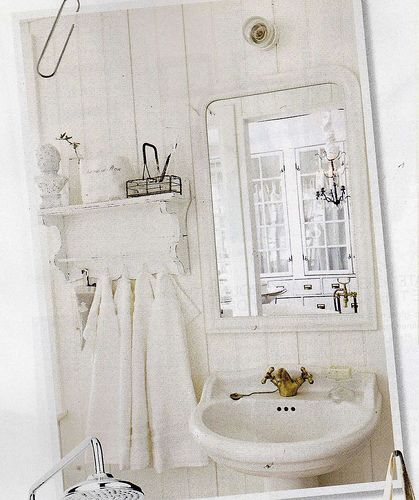 french country decorated bathroom | Visit flickr.com