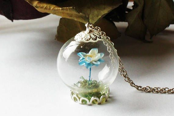 Light Blue Flower Terrarium Necklace, Terrarium Jewelry, Botanical Jewelry, Gemstone Bottle Pendant Dried flower necklace Real plant