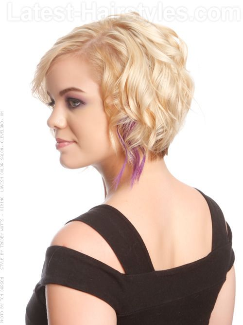 I like this cut (don't need the purple foil underneath ;-)  Although I have naturally really curly hair so it might not sit like this. But I like this length and style and would love to be taught how to wear it like this if possible.