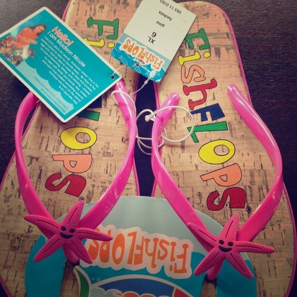 VERY CUTE flip flops Super cute flip flops perfect for vacation in the sun!  Shoes