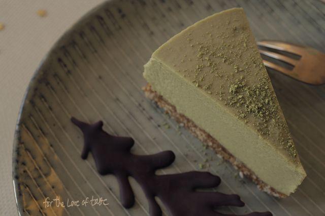 dairy free christmas dessert recipe vegan : White chocolate matcha cheesecake - raw *** kerst dessert : witte chocolade groene thee cheesecake - Lactose vrije, raw en vegan