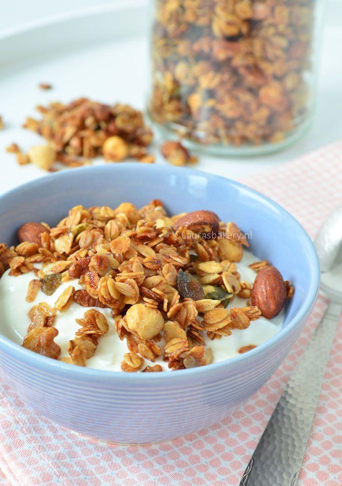 Of het nou muesli of cruesli is, als het door de yoghurt kan vind ik het lekker. Als ontbijt, lunch of een klein schaaltje als toetje. Ik kan het daadwerkelijk op elk moment van de dag eten. Wel ben i