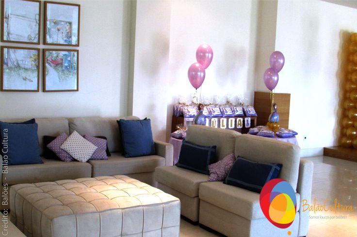Festa Princesa Sofia. Detalhe das almofadas.  Crédito: Balões: Balão Cultura (www.balaocultura.com.br) Decoração: O Chá das 5 (http://www.ochadas5.com.br/) Bolo e Doces: Delicada Receita (andrea_bmr@hotmail.com)  #qualatex, #princesasofia #decoracaoprincesasofia #decoracaosofia #balaocultura #festasofia #festaprincesasofia #decoraçãoprincesasofia #decoraçãoprincesas #euamoaprincesasofia #festaincriveis #encontrandoideias #antesdafesta