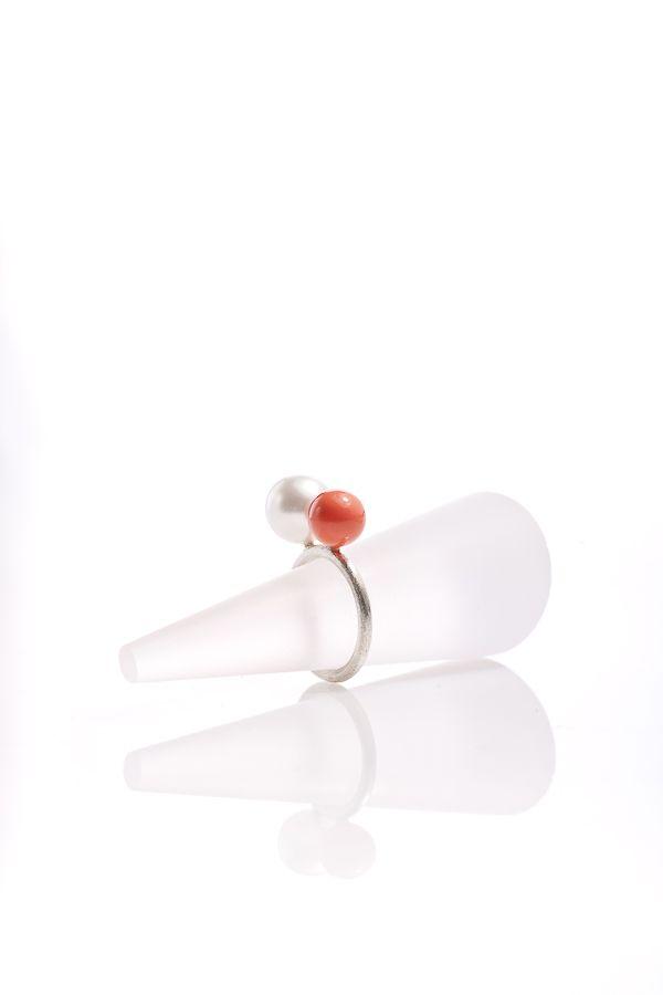 Baloon, simple modern ring, silver 925 Swarovski pearls, contemporary jewelry, minimalist
