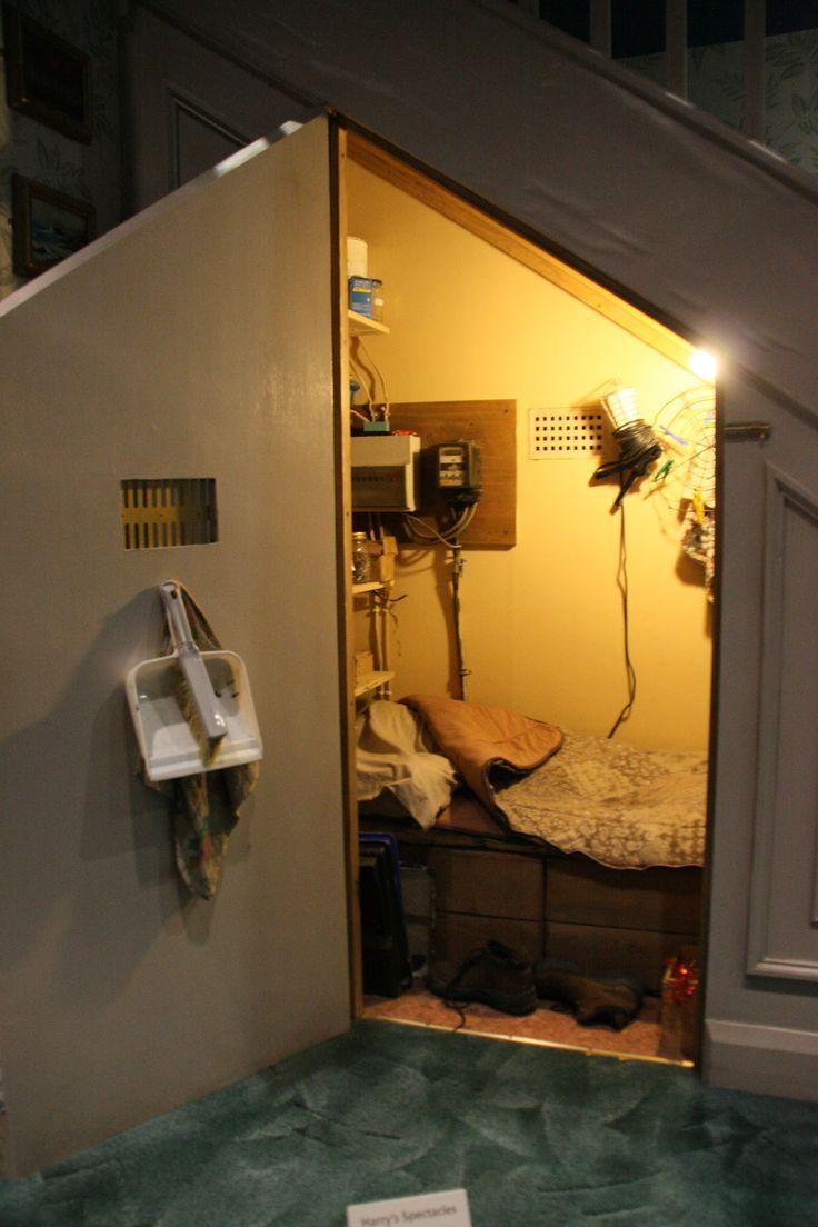 harry potter bedroom geekery pinterest. Black Bedroom Furniture Sets. Home Design Ideas