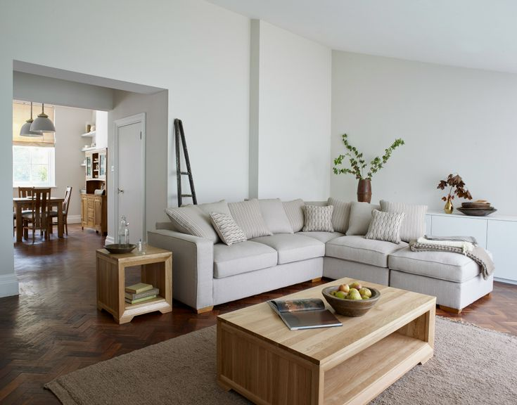 How To Incorporate Natural Oak Furniture In Modern Interiors