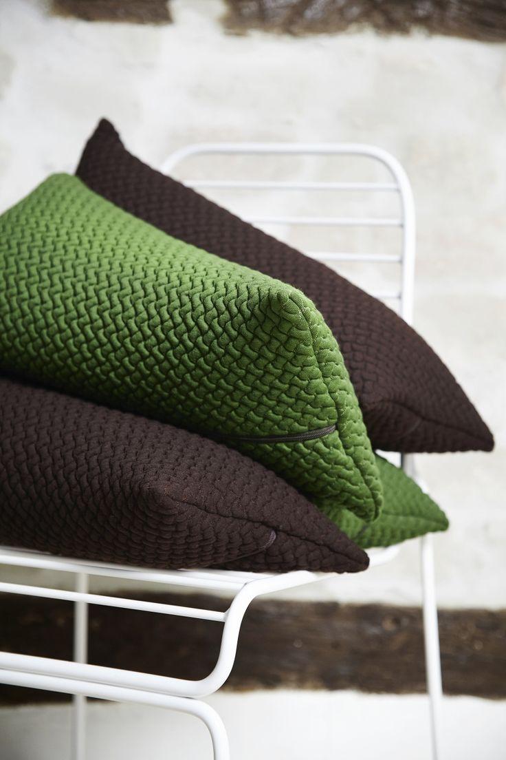 BARK cushion by Yndlingsting