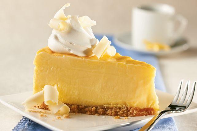 Le pouding instantané <i>Jell-O</i> au citron rehausse la saveur de ce gâteau au fromage et le rend plus ferme.