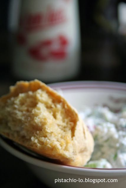 Pistachio: Na śniadanie... bułki marchewkowe ze skandynawskiej kuchni.