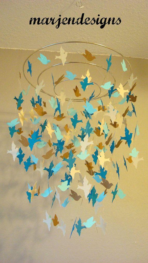 bleu paon Sarcelle marron et Ivoire oiseau mobile par marjendesigns