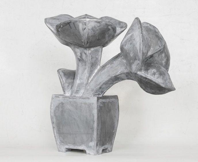 Mary Geradts: Plantje III - 2013 zink 53 x 49 x 30