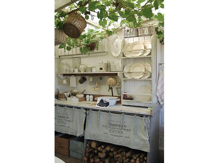 7-mangiare-cucinare-aperto-cucine-piccole-esterno-idee-decorative