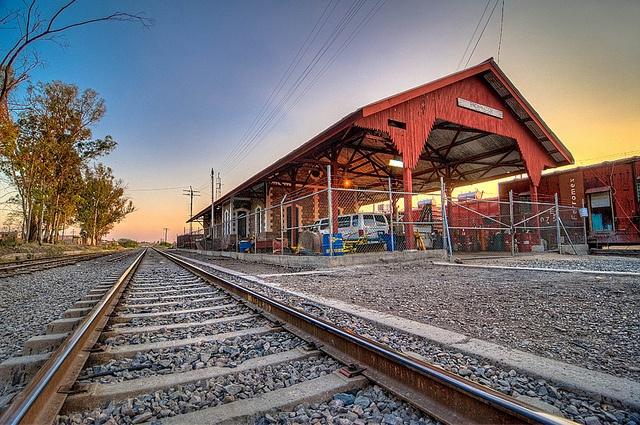 Estación Encarnación de Díaz, Jalisco by phixelle, via Flickr