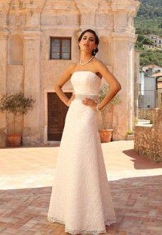 Prachtige kanten trouwjurken   De Bruidshoek   De Bruidshoek