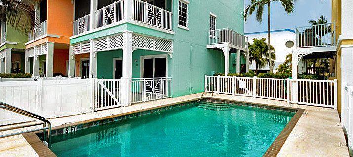 """The """"Peach Beach House"""", Anna Maria Vacation Rental Home."""