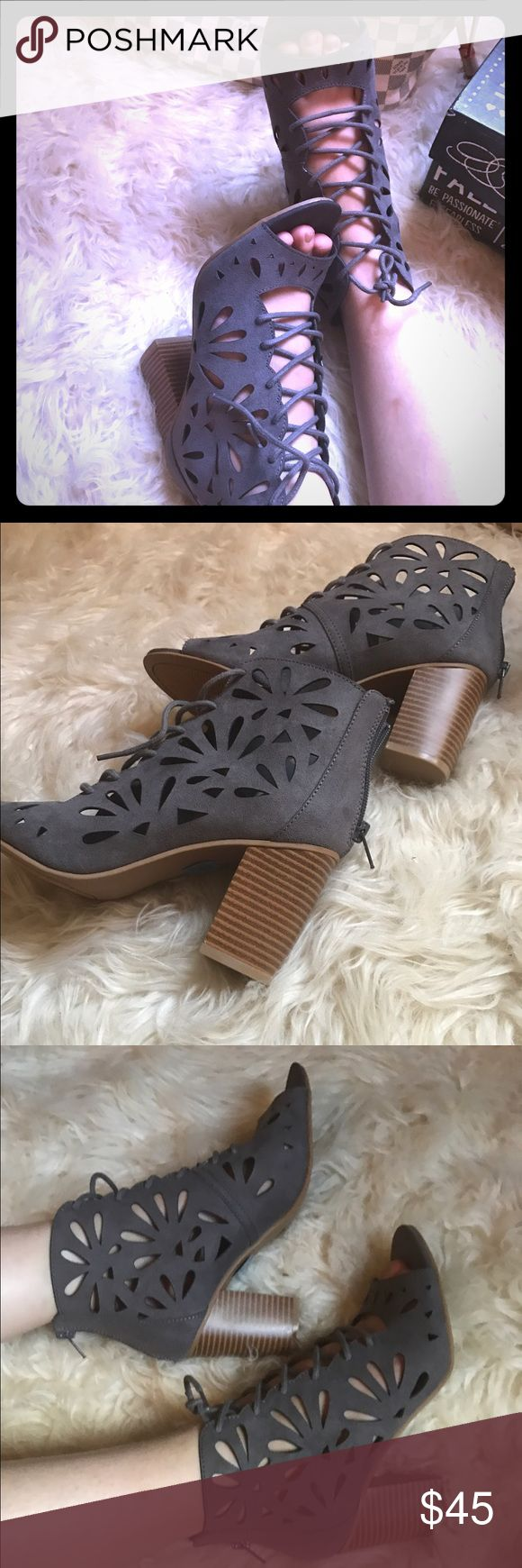 Open toe sandals Brand new Open toe sandals , super chic , cute and comfortable.                                                                              Color vinnie grey . Shoes Sandals