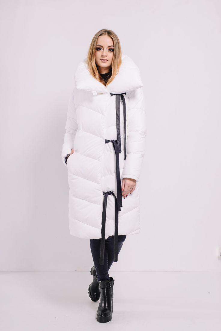 Белый пуховик-одеяло на завязках Lilo. Купить в Lilo - производитель женской одежды: пальто, платье, сарафан, брюки