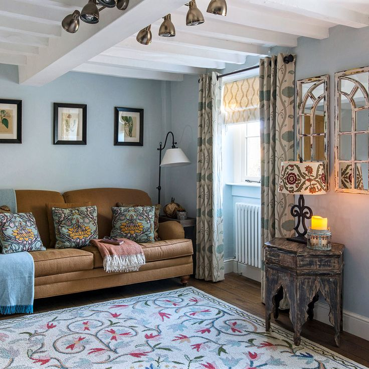 Take a tour of a Cotswolds cottage with added Stateside style Read more at http://www.idealhome.co.uk/house-tours/cotswolds-cottage-new-england-decor-193770#9X2oqMMQ2HwD0mDr.99