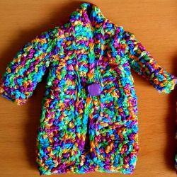 Colourful summer coat for your Barbie doll. Now available on our Etsy shop! Un bel cappottino colorato estivo per la vostra bambola. Vi piace? #accessories #artigianato #bambole #Barbie #collection #colori #colours #craftbuzz #crafts #craftshour...