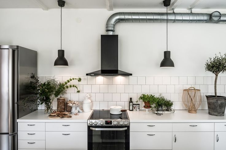 Good morning Monday! Let's kick off the week with a beautiful conversion (I do love converted spaces how about you?!). This former carpente...