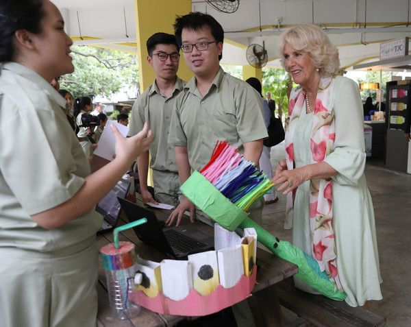 Camilla Parker Bowles Photos - Camilla, Duchess of Cornwall attends a Commonwealth Literacy event at Temasek Junior College on October31, 2017 in Bedok, Singapore. Prince Charles, Prince of Wales and Camilla, Duchess of Cornwall are on a tour of Singapore, Malaysia, Brunei and India. - The Prince Of Wales & Duchess Of Cornwall Visit Singapore, Malaysia, Brunei And India - Day 2
