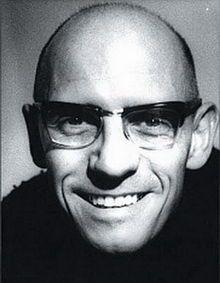 Michel Foucault: (Poitiers, Francia, 1926-París, 1984) Filósofo francés. Estudió filosofía en la École Normale Supérieure de París y, ejerció la docencia en las universidades de Clermont-Ferrand y Vincennes, tras lo cual entró en el Collège de France   History of Madness (Routledge, 2009)  Death and the Labyrinth (Athlone Press, 2001)