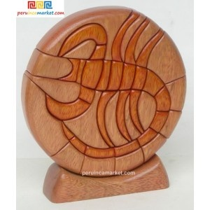 Wooden sculpture - Scorpio zodiac handcarved from ishpingo Amazon wood. Peruvian artwork. US $ 48.00 free shipping from peruincamarket