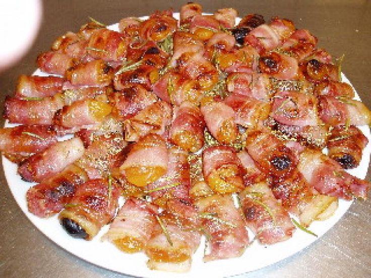 Tørrede abrikoser med bacon - opskrift fra  Maduniverset | mobil