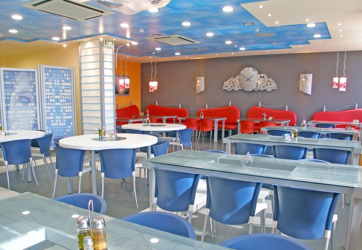 Η Art & Design Group ανέλαβε την κατασκευή τη διαμόρφωση και τον εξοπλισμό εσωτερικού χώρου συνολικής έκτασης 250 τ.μ. στον δεύτερο όροφο των εγκαταστάσεων της εταιρείας BDF Beiersdorf Hellas. Ο διαμορφωμένος χώρος πολλαπλών χρήσεων περιλαμβάνει τραπεζαρία και bar, εξοπλισμένα με πάσο και σκαμπό, και έχει τη δυνατότητα να εξυπηρετεί καθημερινά όλο το προσωπικό της εταιρείας…