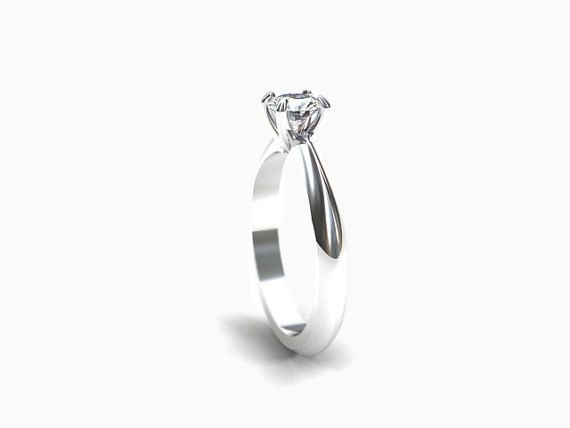 Solitaire ring with GIA-certificated Diamond in Platinum