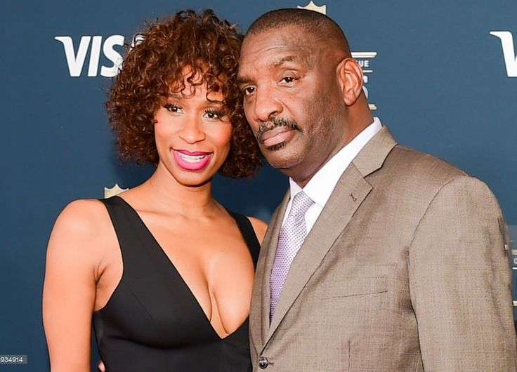 Raunda Williams Raunda Williams is the third wife of former NFL player Doug Williams, who is nowadays the senior vice president of personnel of the Washington Redskins. Prior to that Williams was the head coach at his alma mater the Grambling State Tigers football team. No doubt you all know Williams' story. His personal life …