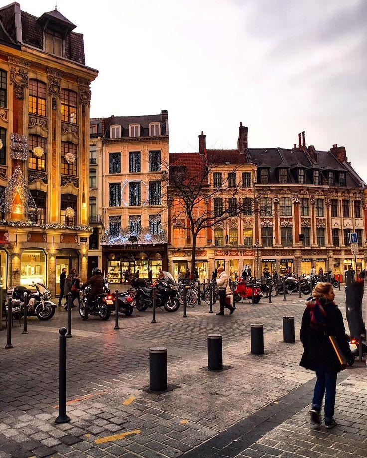 Dream is destiny #travelingram #travelgram #travelphotography #streets #streetlife #streetshot #streetphotography #starbucks #architecture #lille #lilloise #lillemaville #igersparis #igersfrance #igers #ig_europe #ig_global_life #igerslondon #ig_nature #ig_myshot #igersworldwide #ig_shotz #ig_captures #super_france #hello_france #toplillephoto #topfrancephoto #igerslille