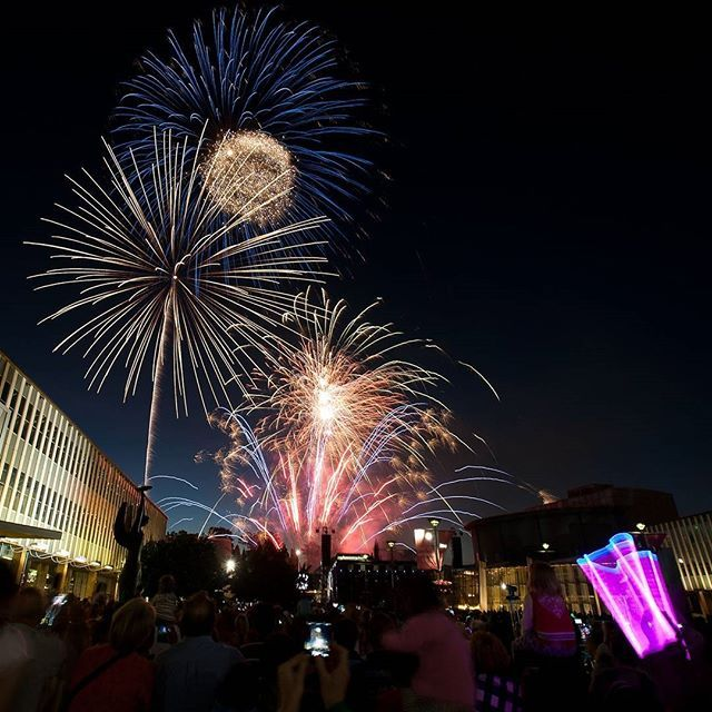 Experience the true wonder of New Year's Eve in Canberra with a fantastic line-up of free entertainment in the city centre including two live music celebrations. Framed by the glittering cityscape, enjoy two world-class fireworks displays from the best view in Civic. The first fireworks at 9pm allow the littlest spectators a chance to see state-of-the-art pyrotechnics. Then at the stroke of midnight you can celebrate the New Year with another truly spectacular display. #visitcanberra…