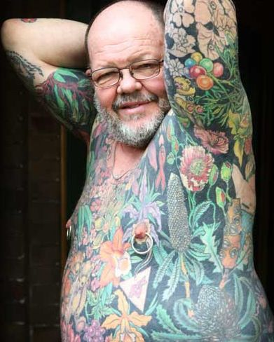 17 best images about seniors with tattoos on pinterest tattoo on shoulder medical and - Bras tatoue homme ...