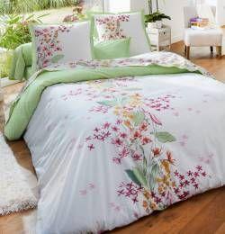 Petit parfum du jardin dans la chambre avec Housse de couette Vent d'orchidée aux motifs floraux. Françoise Saget. #déco #maison #lit #nuit #fleurs #lingedemaison