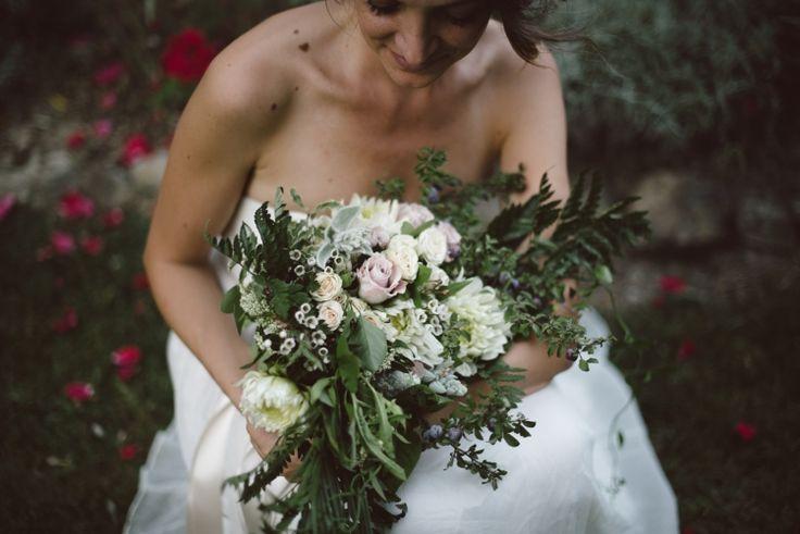 delicate floral bouquet from #fluidadesign www.fluidadesign.com