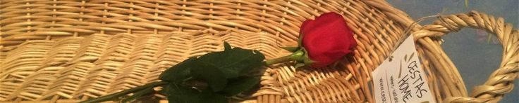 Las cestas artesanales en forma de bandeja, hechas en España con fibras naturales como el mimbre o el castaño, son una alternativa natural y decorativa en tu hogar. Para organizar la ropa planchada; para guardar la ropa del bebé o tus revistas preferidas; en la cocina para almacenar verduras o...