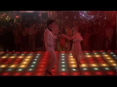 Saturday night fever :movies. Bộ phim nói về những năm 1970 về những điệu nhảy, cách ăn mặc, sự phóng khoáng và đổi mới của giới trẻ.  Họ được sống tự do và mặc những bộ đồ đẹp  và đến những quán bar và nhảy múa thâu  đêm.