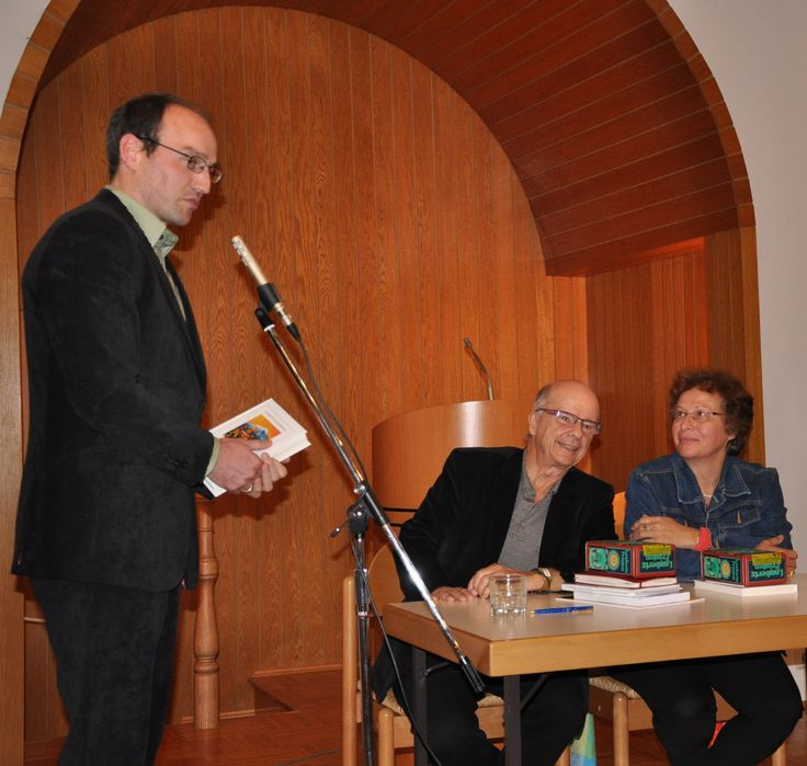 """Leonidas Chrysanthopoulos stellt sein Buch """"Aufbruch in Armenien"""" in Wuppertal vor. Ein Dank an die niederländisch-reformierte Kirche und den Veranstalter, die deutsch-armenische Gesellschaft, für einen wunderschönen Abend."""
