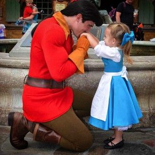 *Dies of cute overdose* | This Mom Makes Adorable Costumes For Her Daughter To Wear To Disney World
