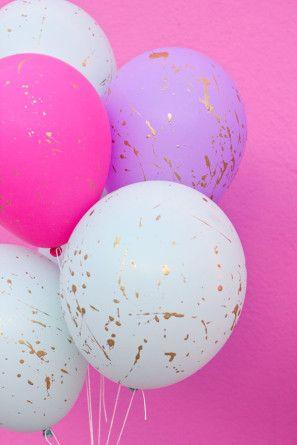 DIY Gold Splatter Paint Balloons - pink + purple + gold bridal shower decor idea - splatter balloons with gold paint for a fun twist!