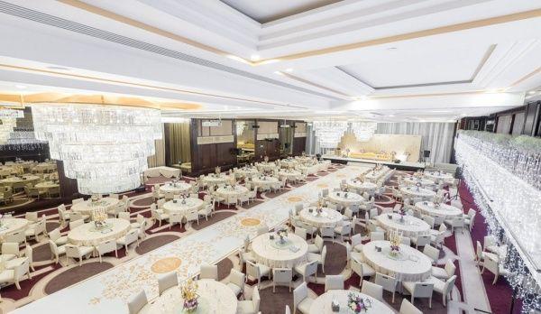 فندق غاليريا من إيلاف الفنادق جدة Table Decorations Decor Table Settings
