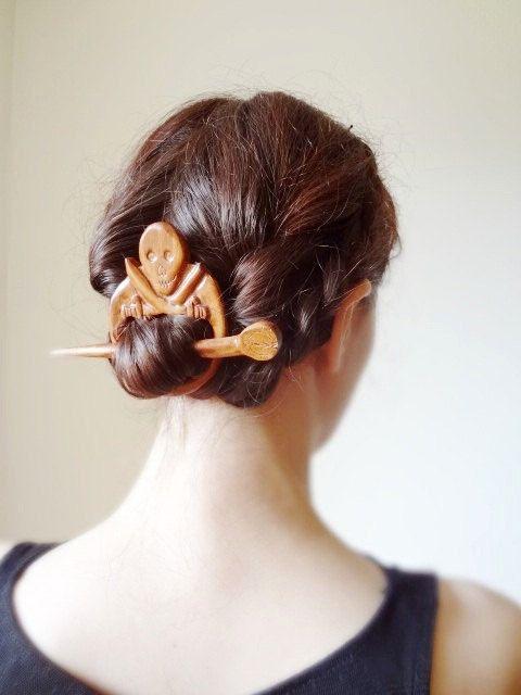 Teschio FERMACAPELLI pirata capelli presa accessori passero capelli scultura in legno bastone dei capelli del cranio marinai vichinghi