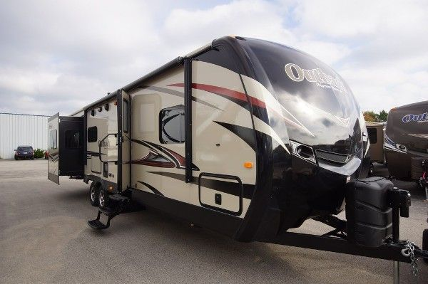 2014 Outback 298RE Diamond Edition Travel Trailer - http://www.lakeshore-rv.com/blog/2014-outback-298re-diamond-edition-travel-trailer/2714