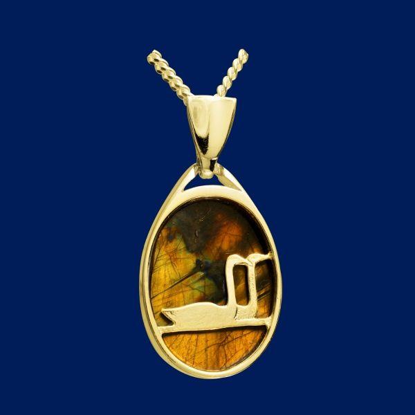Swan pond, pendant, gold. Design Seppo Penttinen / Taigakoru